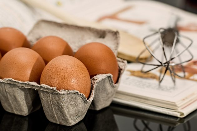 <strong>Eggs</strong> <hr> Scrambled offers the best health benefits. There are many ways to prepare eggs. Mix with veggies.