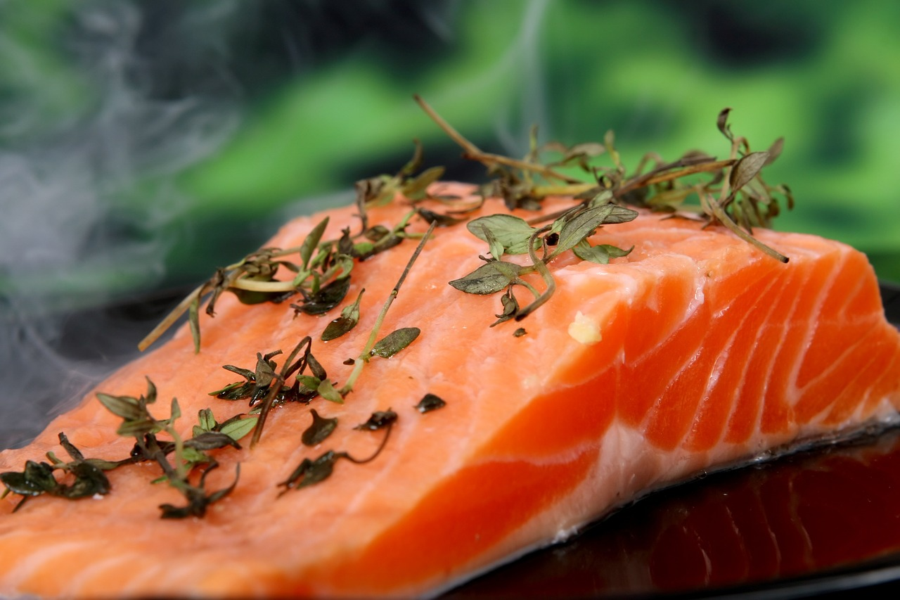 <strong>Salmon</strong> <hr> Try fresh, frozen, smoked, or grilled. Smoked salmon is great on a salad.
