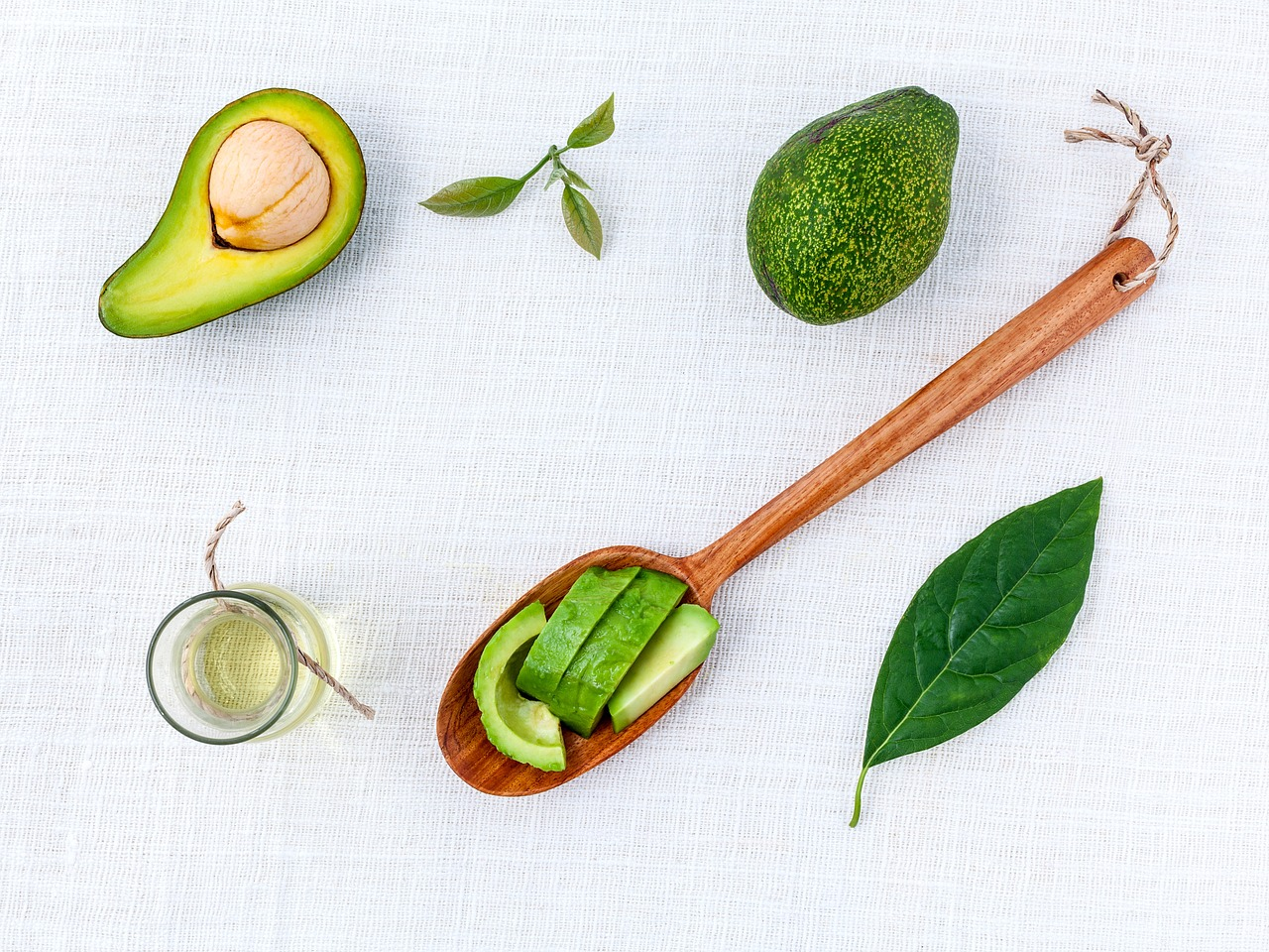 <strong>Avocado Oil</strong> <hr> High smoke point and lighter in taste, great for cooking.