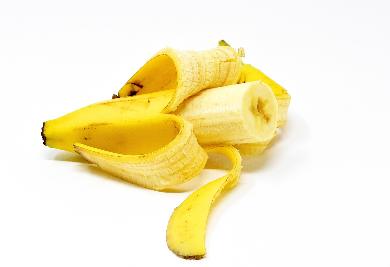 <strong>Bananas</strong> <hr> Great snack, fills you up, helps digestion, potassium useful for many things, especially dehydration.