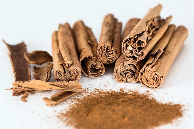 "<strong>Cinnamon</strong> <hr> Two types. Cinnamonum zelanicum - Ceylon or ""true"" cinnamon. Cinnamon aromaticum - Chinese cinnamon or ""cassia"". Both same health benefits."