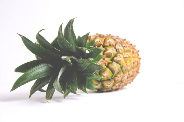 <strong>Pineapple</strong> <hr> Tangy. Helps digest meat. Great in salad or with yogurt.
