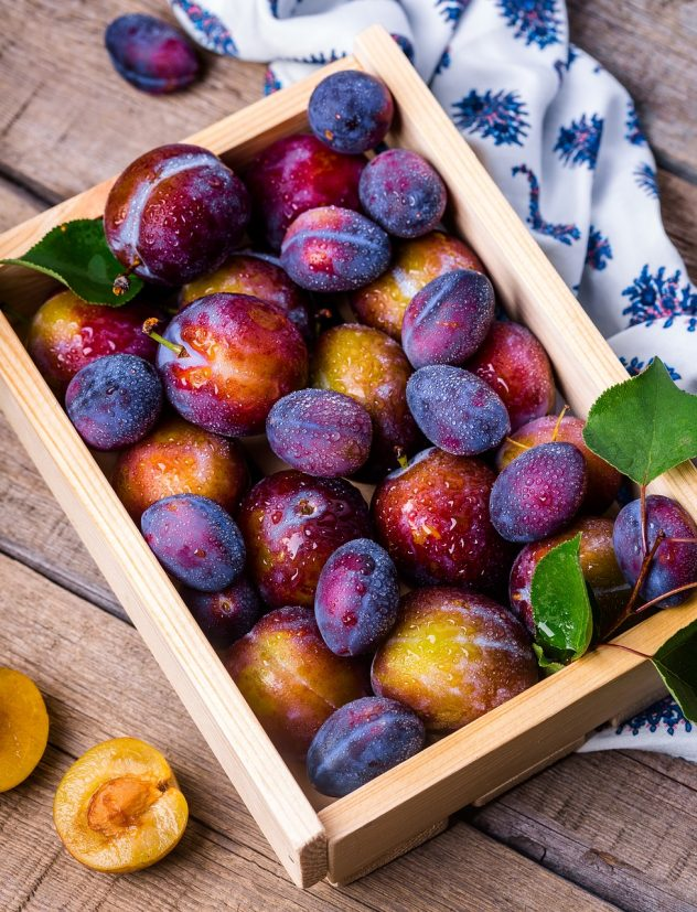 <strong>Plums</strong> <hr> Red, purple, black.