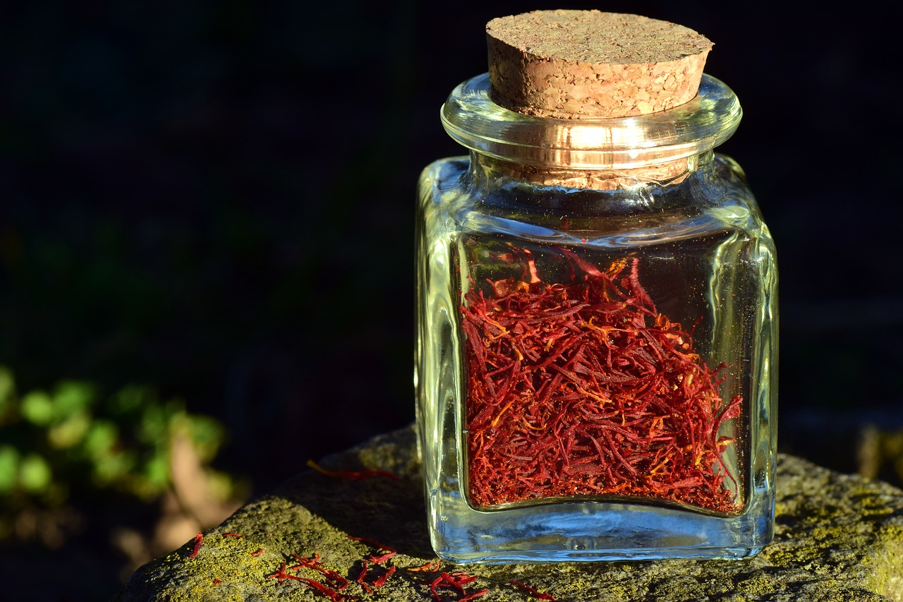 <strong>Saffron</strong> <hr> Yellow-orange strands. Soak strands in warm water 5 minutes before cooking to begin releasing volatile oils, DO NOT soak in oil because it prevents volatile oils from being released.