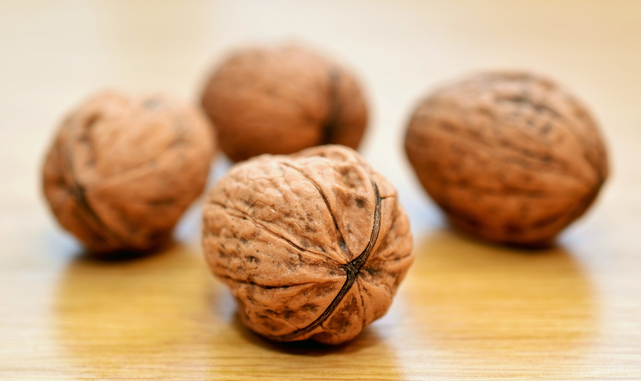 <strong>Walnuts</strong> <hr> Good topping in salads, yogurt, or even meat or vegetable dishes. Easier if you buy shelled.